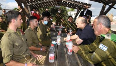 بينيت يطالب الجيش الإسرائيلي بالبقاء على أهبة الاستعداد حتى اعتقال الأسرى الفارين