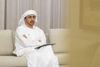 عبد الله بن زايد يلتقي مستشار الأمن القومي الأمريكي في واشنطن