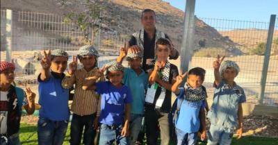 التربية: إبعاد الاحتلال لمدير مدرسة المالح في طوباس سابقة خطيرة