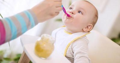 أول وجبة يأكلها الرضيع.. ما هي؟