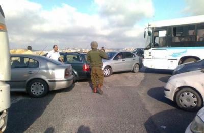 جنود الاحتلال يصادرون سيارات فلسطينية ويستخدمونها لأغراض شخصية