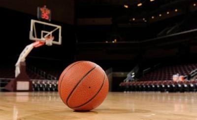 """خدمات البريج يحسم قمة """"البلاي أوف"""" لدوري السلة بصعوبة"""