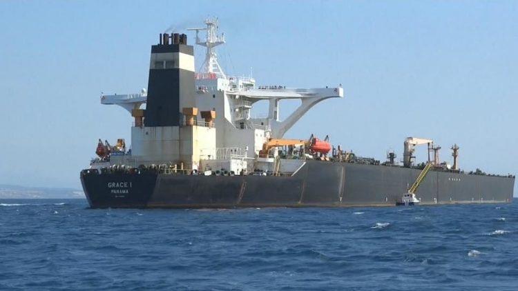 مع احتجاز سفن النفط.. وزير النفط اليمني يوجه نداء استغاثة من كارثة محتملة مع نفاد الوقود