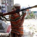 """ومليشيا العدوان """"ميدل إيست آي"""" البريطاني: الإمارات تشتري ولاءات الفقراء في تعز اليمنية بالمال"""