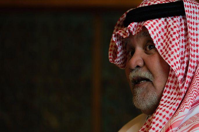 عبد الباري عطوان يرد على الأمير بندر بن سلطان حول مهاجمة القيادات الفلسطينية