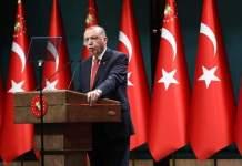 أردوغان يهاجم ماكرون ويصفه بالمصيبة ويدعو الفرنسيين للتخلص منه