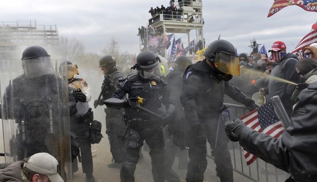 تحذيرات من هجوم.. الكونغرس يشدد الإجراءات الأمنية تزامنا مع تنصيب بايدن رئيسا