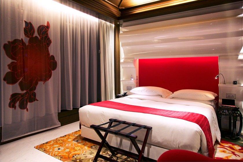 mira-moon-causway-bay-hotel-room