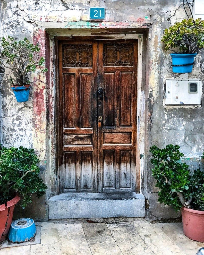 This door was found in barrio Santa Cruz