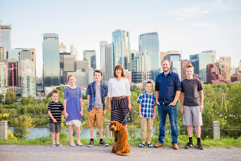 Calgary downtown skyline, family photos, family of 7