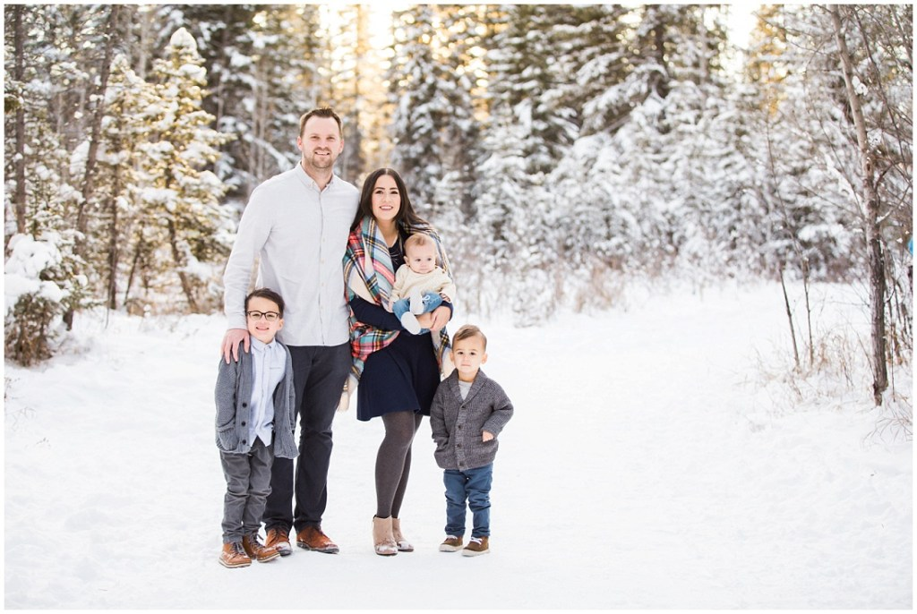 winter family photos, family of 5, beautiful light