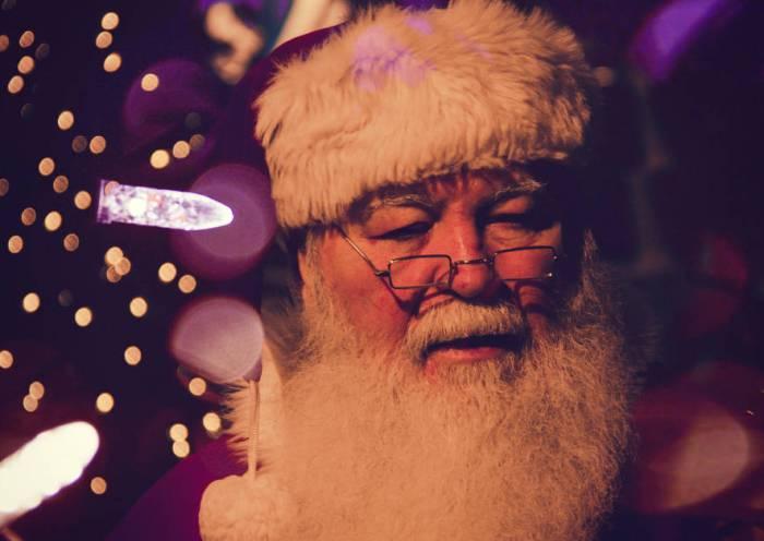 Why My Christian Family Chooses to Embrace Santa Claus | alyssajhoward.com