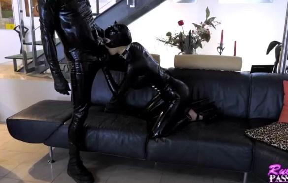 LATEX CAT IN BLACK CATSUIT DEEPTHROAT
