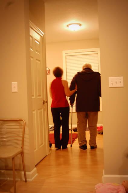 adultos-mayores-quienes-los-deben-cuidar