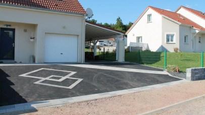 Accès de garage enrobé avec design pavé, Epinal