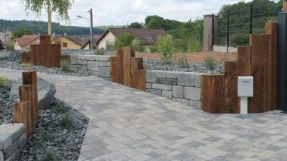 Muret mixte avec alternance bois et blocs bi-muro gris ardoise, Epinal