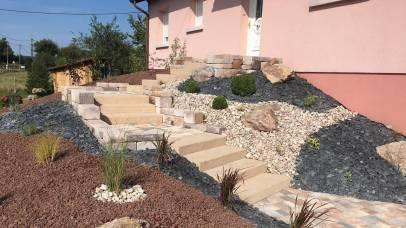 Aménagement de talus, escalier blocs de marches, Epinal