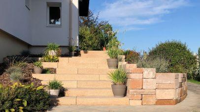Escalier blocs de marche et muret