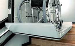 vignette-acces_handicap_Plate_forme_V64_escalier_immeuble