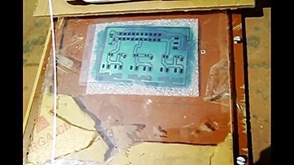 উপরে কাঁচ দিয়ে সমগ্র ব্যবস্থাটিকে সূর্যের আলোতে কিছুক্ষন রাখতে হবে