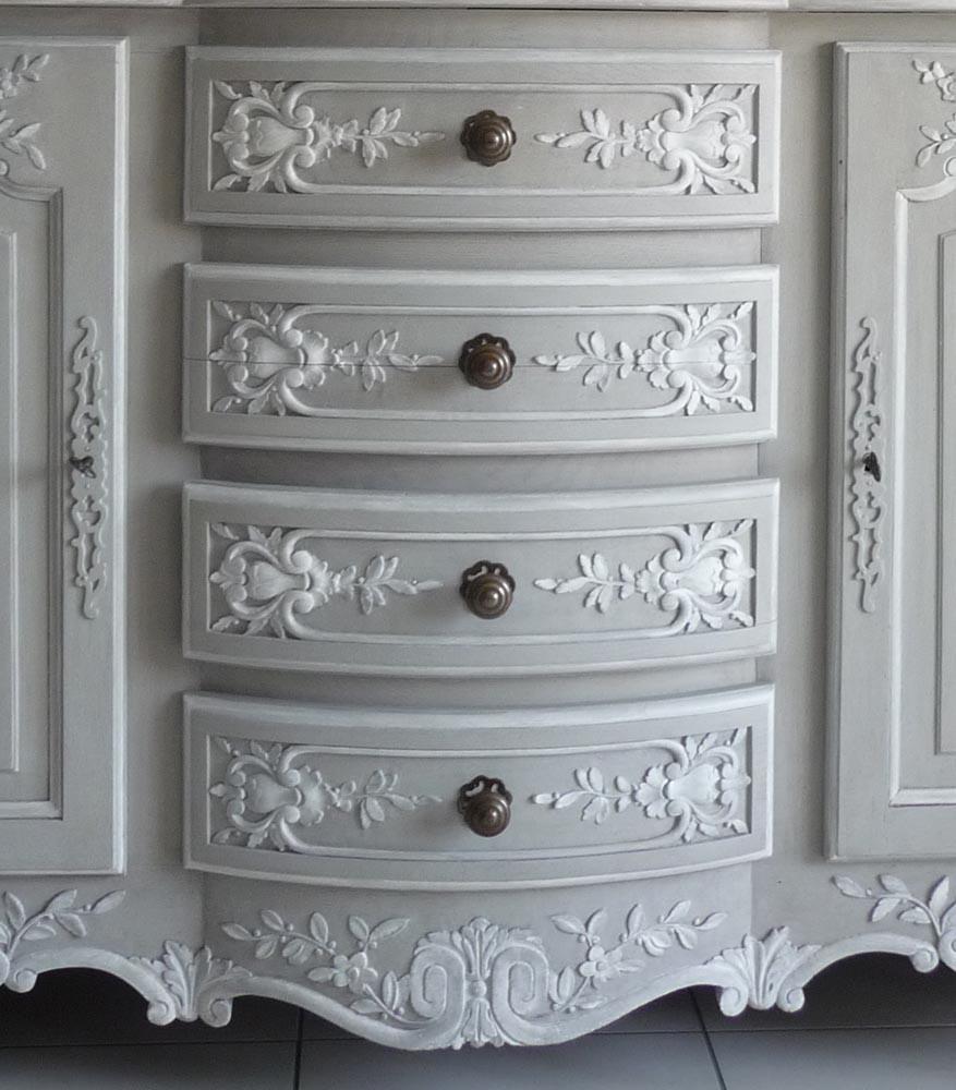 meubles peints dans le style gustavien