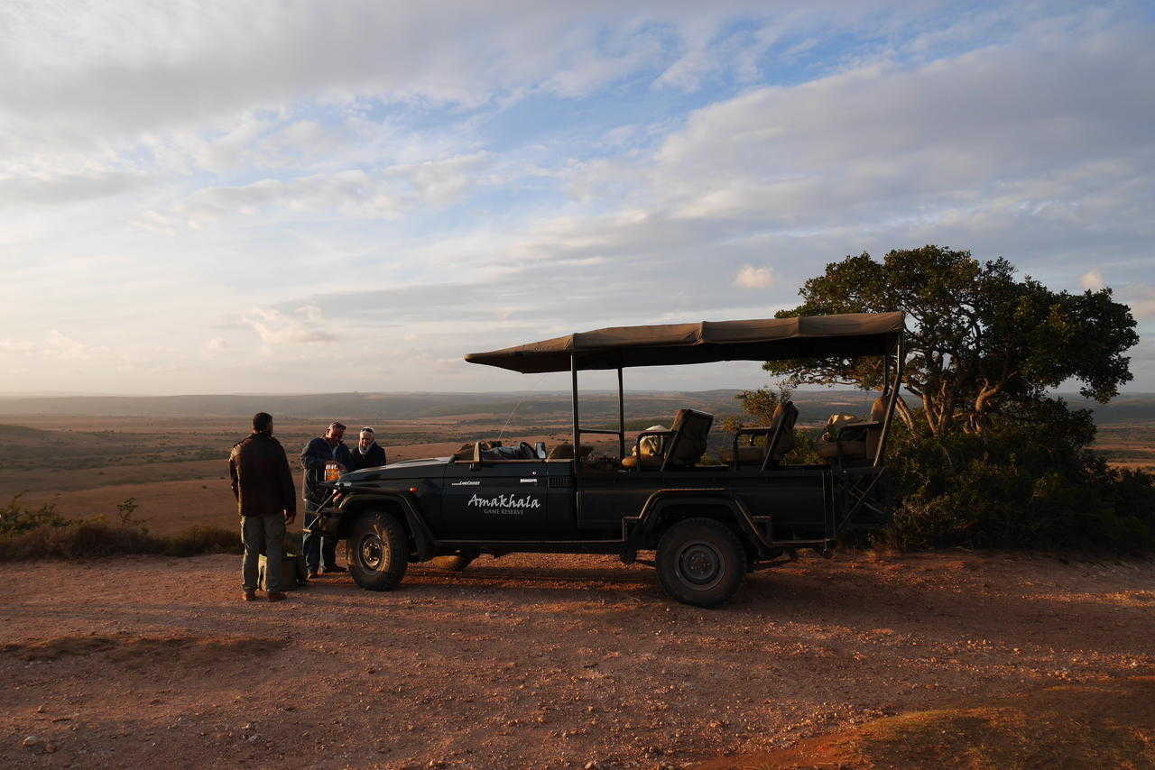 Hlosi Game Lodge   Activities   Sundowners during Game Drive