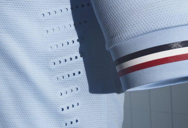 francia-maglia-trasferta-celeste-dettaglio-tricolore