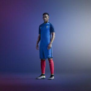 Francia, maglia 2016 di Nike (1)