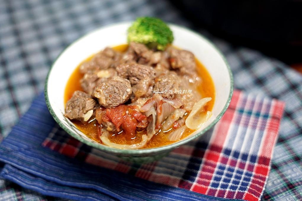 番茄燉牛肉-無水料理-陶鍋燉煮-原汁原味湯鮮濃郁