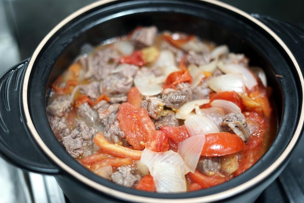 無水料理,燉牛肉,牛肉湯,番茄燉牛肉,番茄牛肉,耐熱陶鍋,陶鍋,陶鍋料理