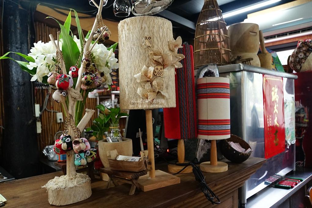 原住民美食,山蘇,山豬肉,桶子雞,樹屋餐廳,烤魚,風味餐,食尚玩家,鯉魚潭