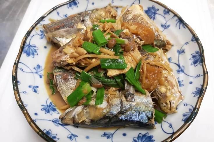 竹筴魚,紅燒魚,蔭鳳梨,醃漬鳳梨,醬鳳梨,鳳梨煮魚 @Amanda生活美食料理
