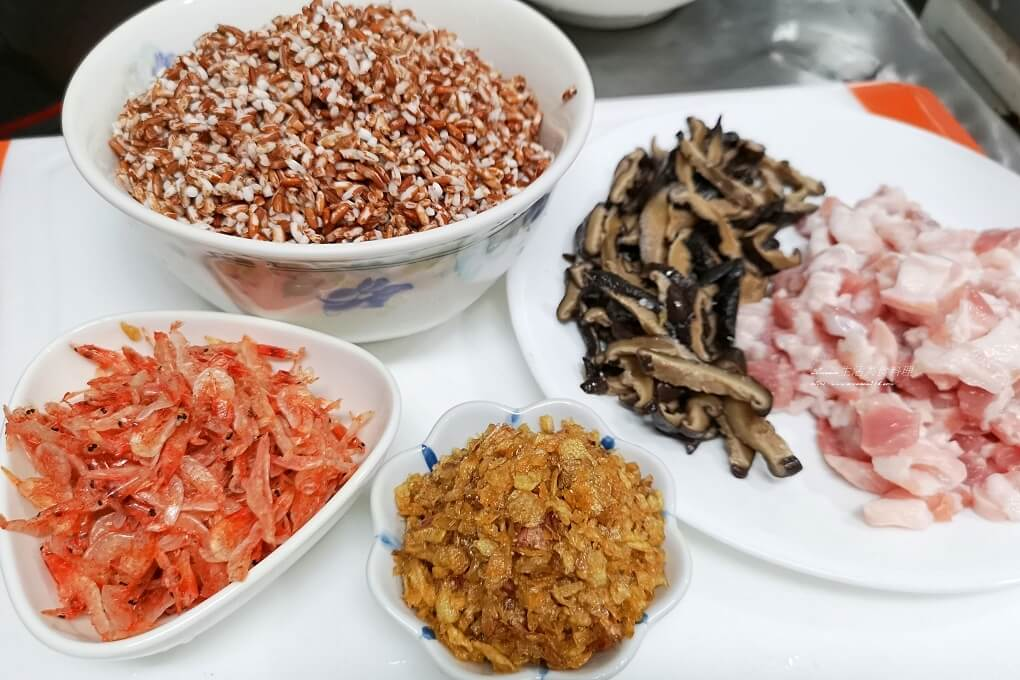 十分鐘上菜,十分鐘料理,壓力鍋,快鍋,櫻花蝦油飯,油飯,胭脂米