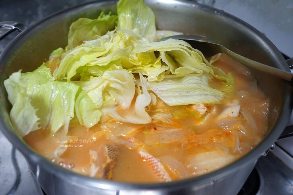 去魚骨,取魚肉,味噌鍋,味噌魚,泡菜鍋,海陸湯,海陸鍋,紅魚味噌,紅魚湯,肉片湯,魚湯,魚骨煲湯