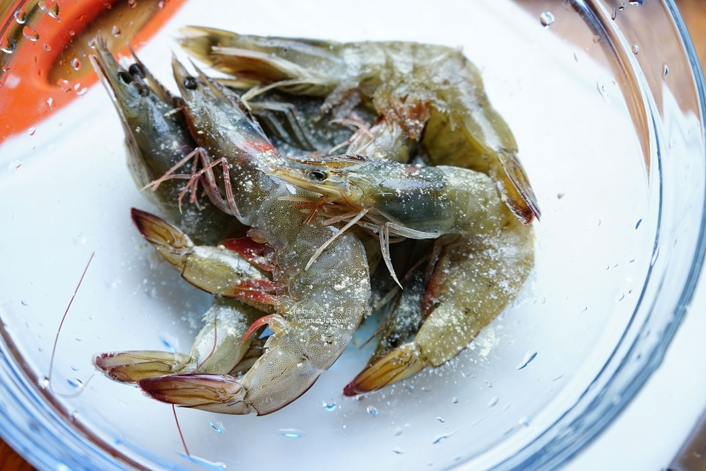十分鐘上菜,十分鐘料理,年菜,氣炸做年菜,氣炸料理,氣炸蝦,氣炸食譜,烤蝦,茄汁炒蝦,茄汁鮮蝦