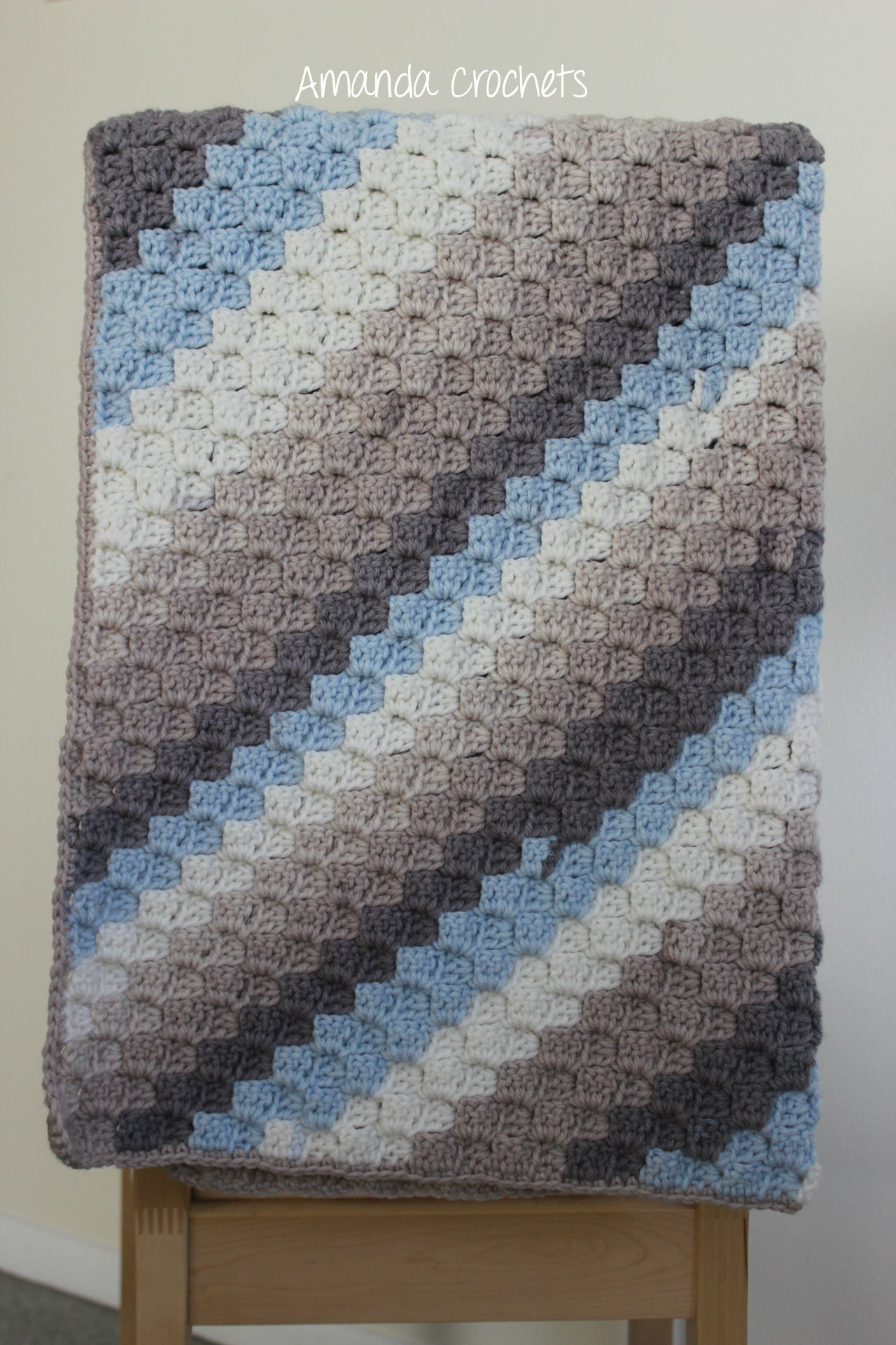 Corner-to-Corner Blanket Pattern - Amanda Crochets