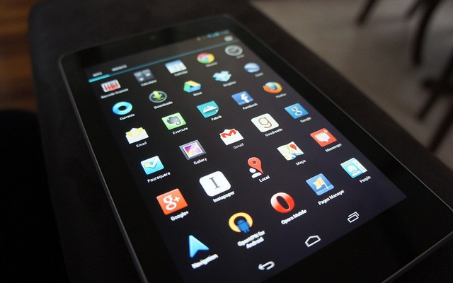 Nexus 7 App Icon Grid by Ash Kyd