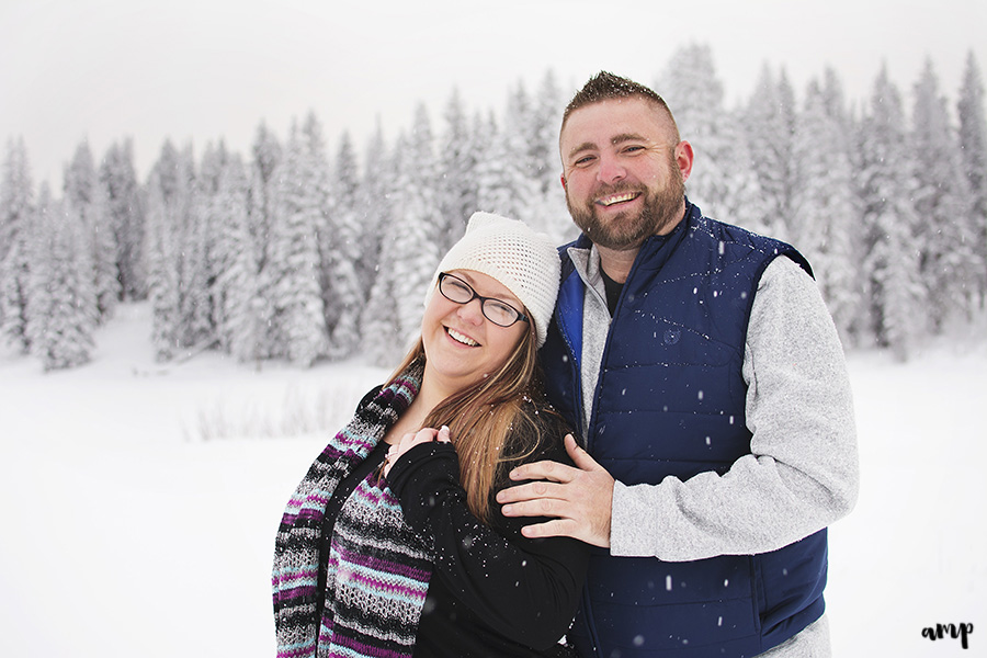 Snowy Grand Mesa Engagement in Colorado | amanda.matilda.photography