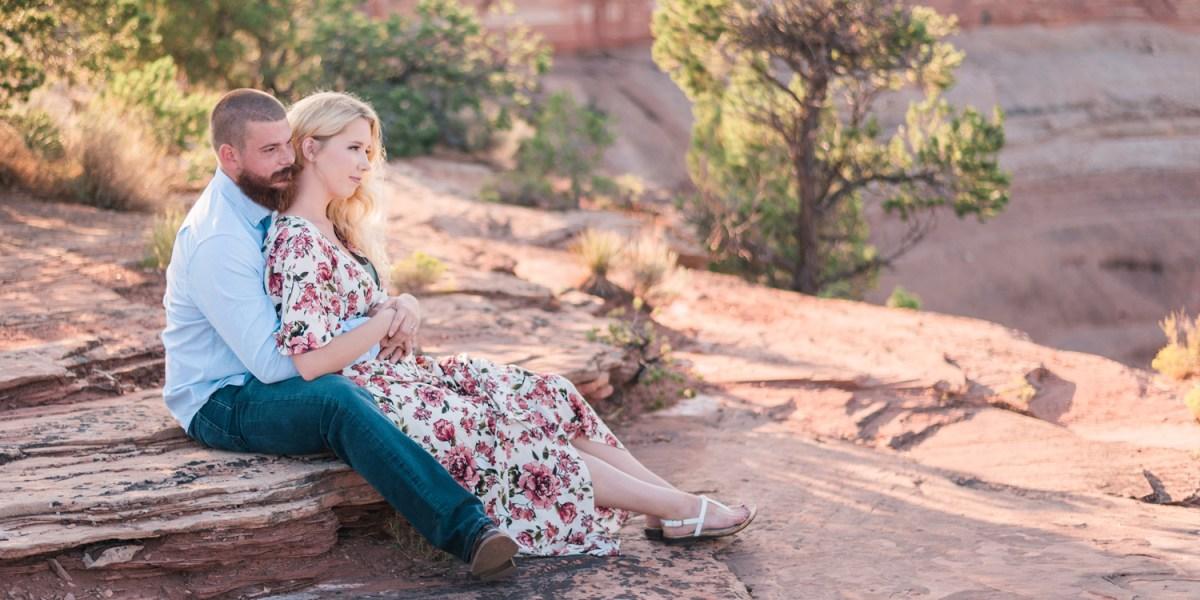 Adventure Engagement Session on the Colorado National Monument | amanda.matilda.photography