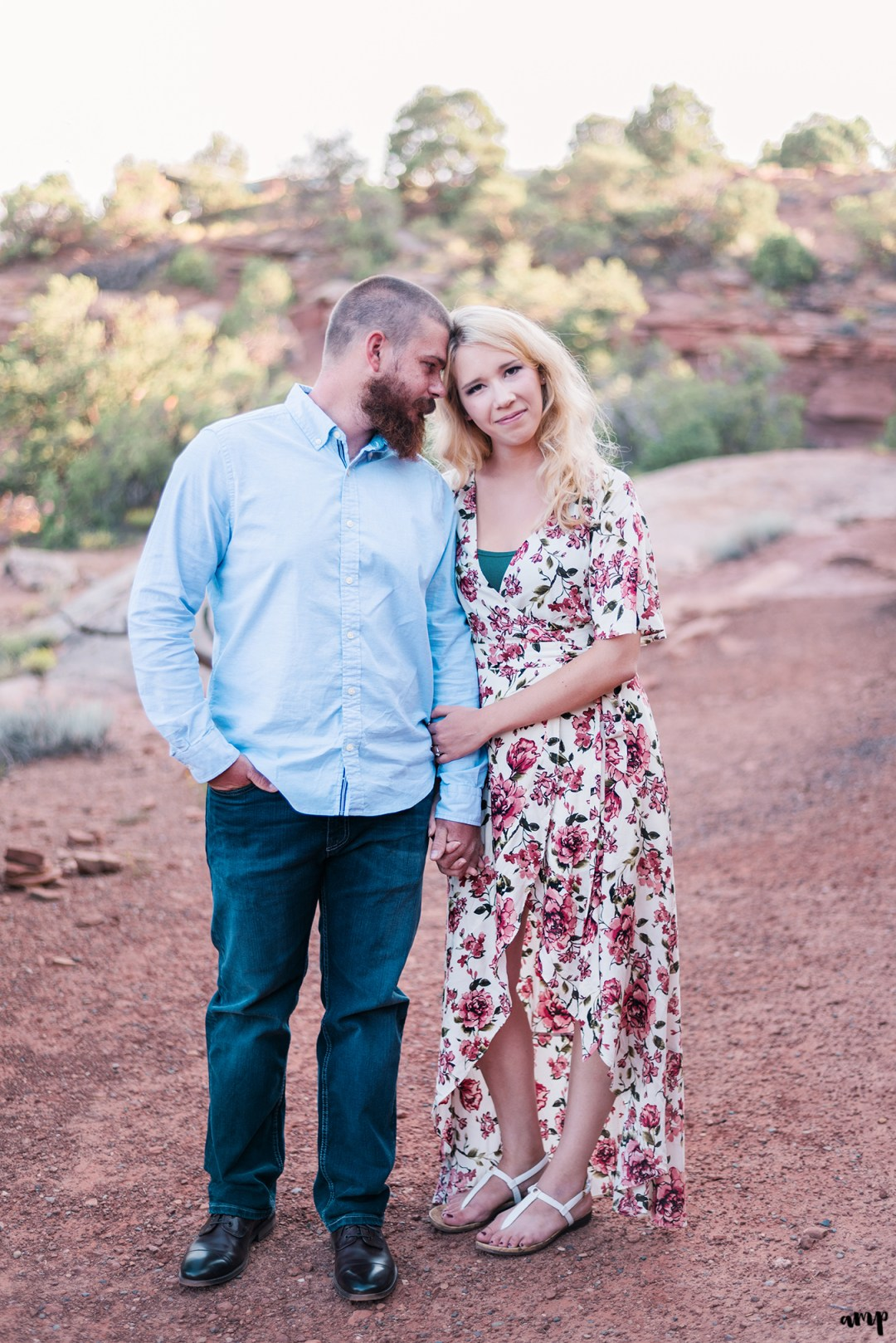 Engagement session in the desert of the Colorado National Monument