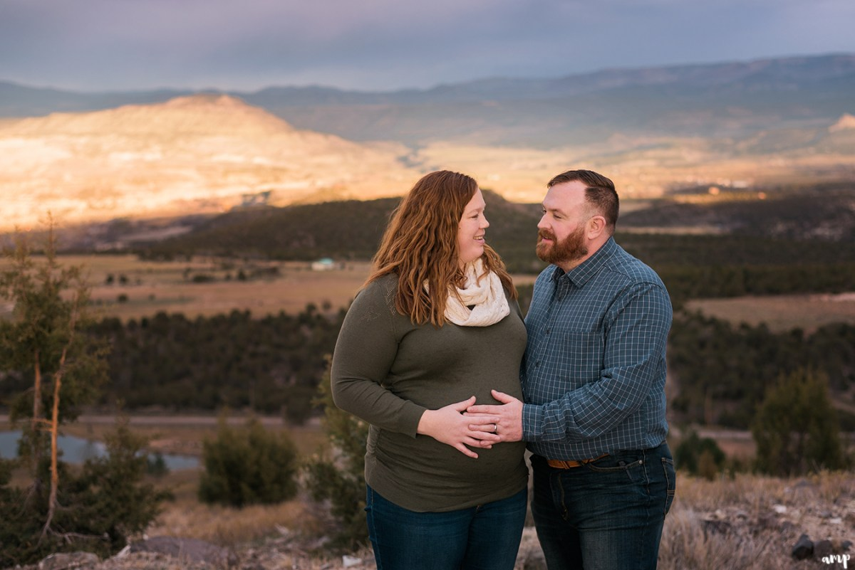 Grand Mesa Maternity Photos | amanda.matilda.photography