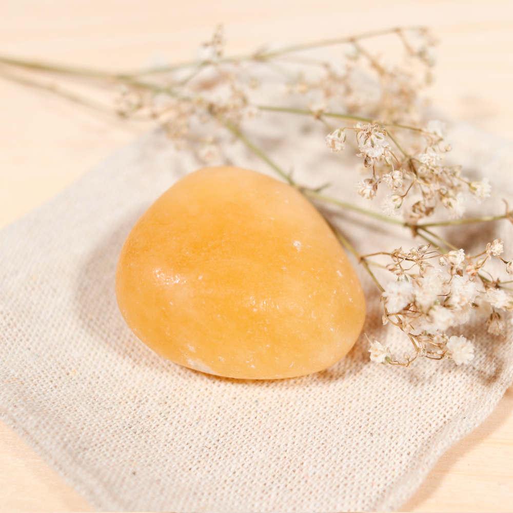 Sélection de galet en calcite orange