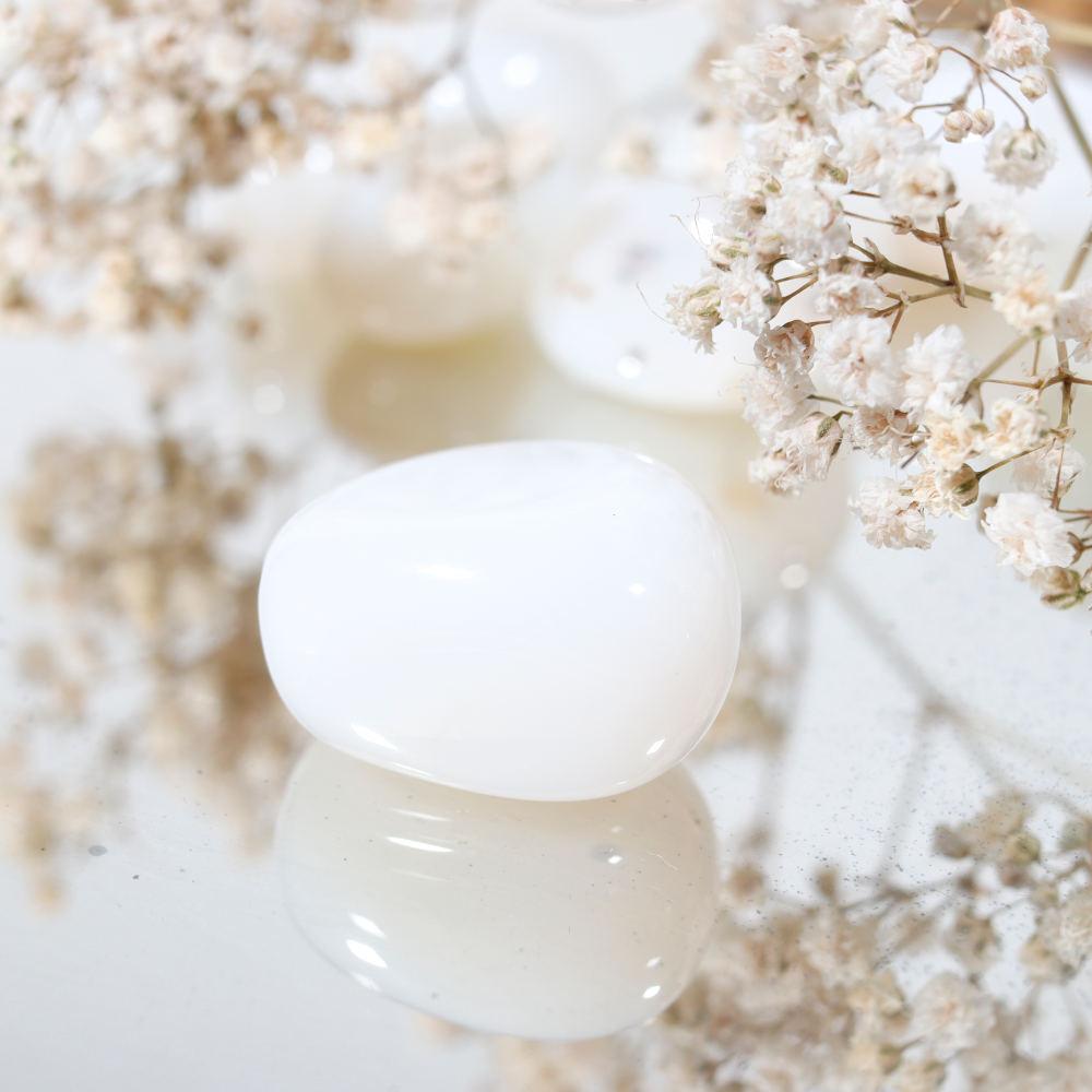 Opale blanche roulée