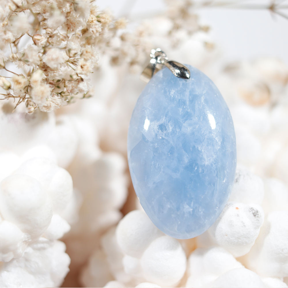 Pendentif en calcite bleue