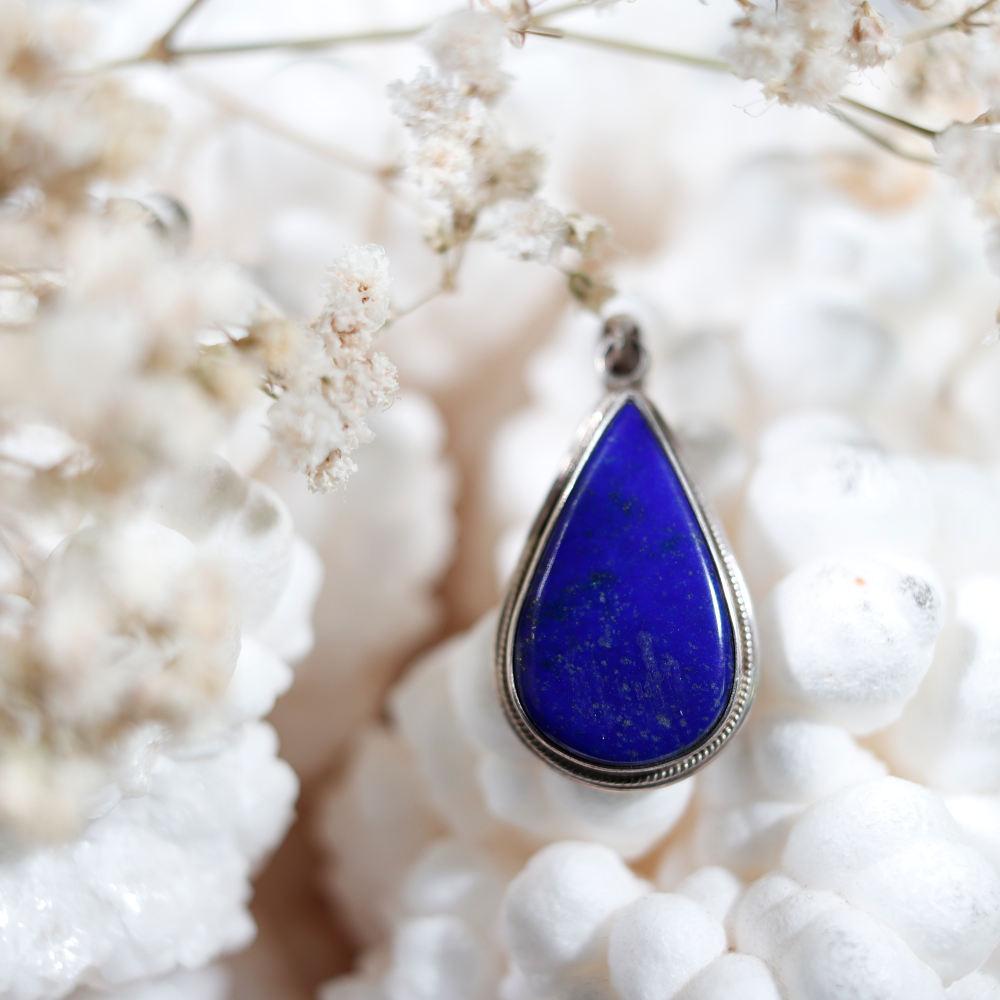 Pendentif en lapis-lazuli