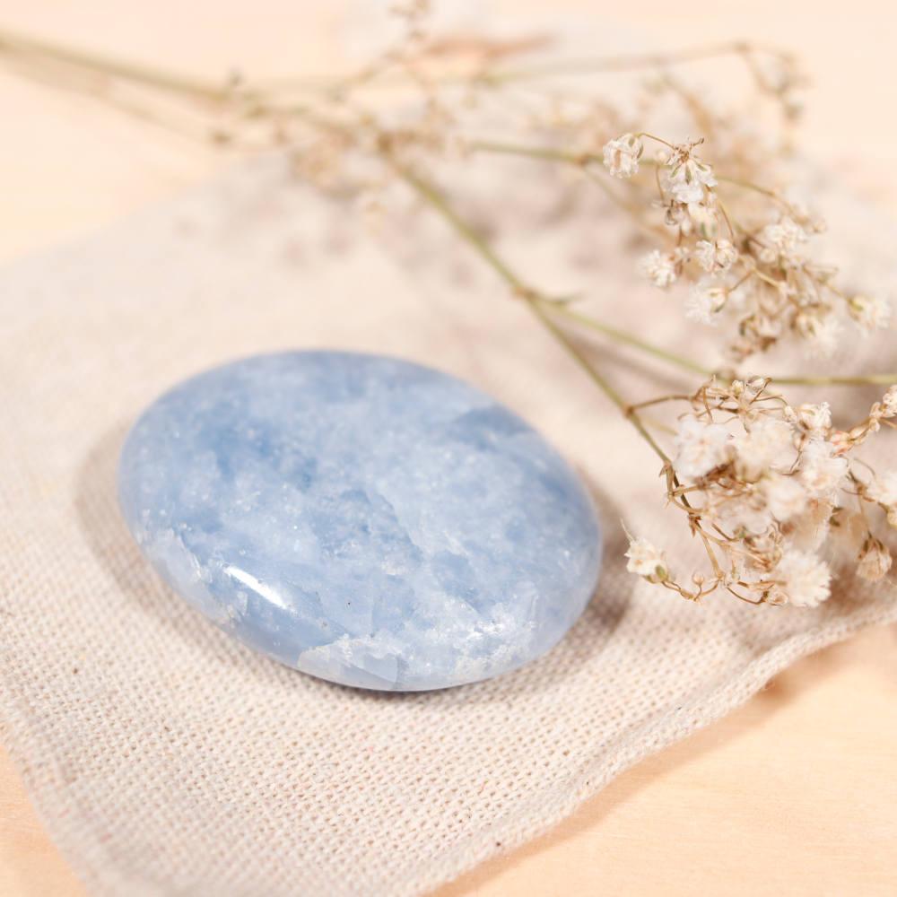 Sélection de galet en calcite bleue