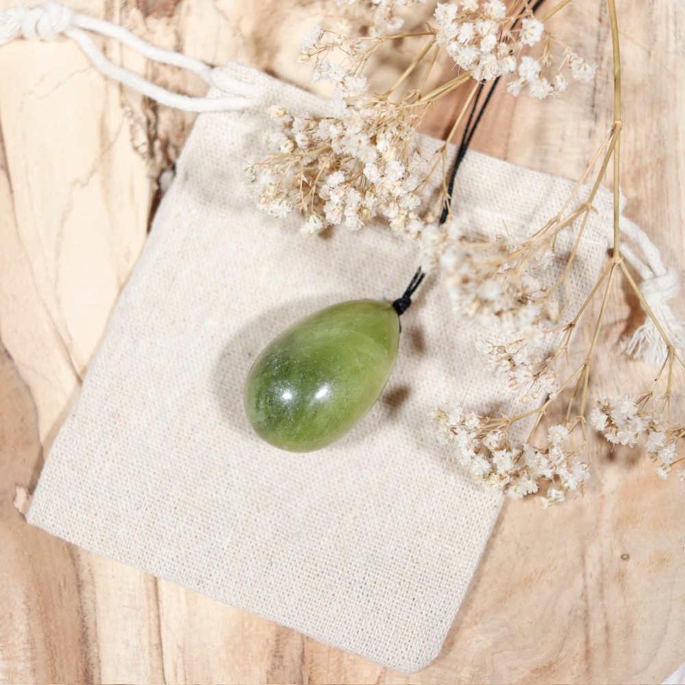 Œuf de yoni percé en jade, modèle moyen