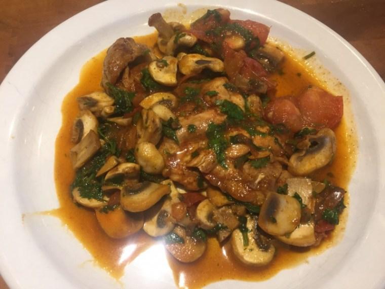 Poulet tomaté aux champignon et à la coriandre