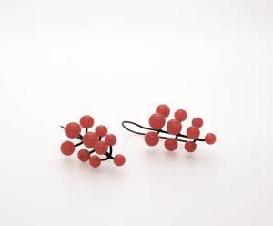 Pendientes cristal red_ orjo_ Berry. Joyería Barcelona. Joyas de diseño. joyería contemporánea.