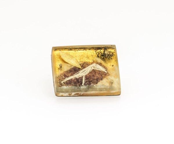 joyas para hombre. bird_ pájaro. Judy Mccaig._Designerschmuck Arte Barcelona. contemporary jewelry. art in jewelry. Kunstschmuck. 當代珠寶。 珠寶中的藝術。現代的なジュエリー。 ジュエリーのアート。